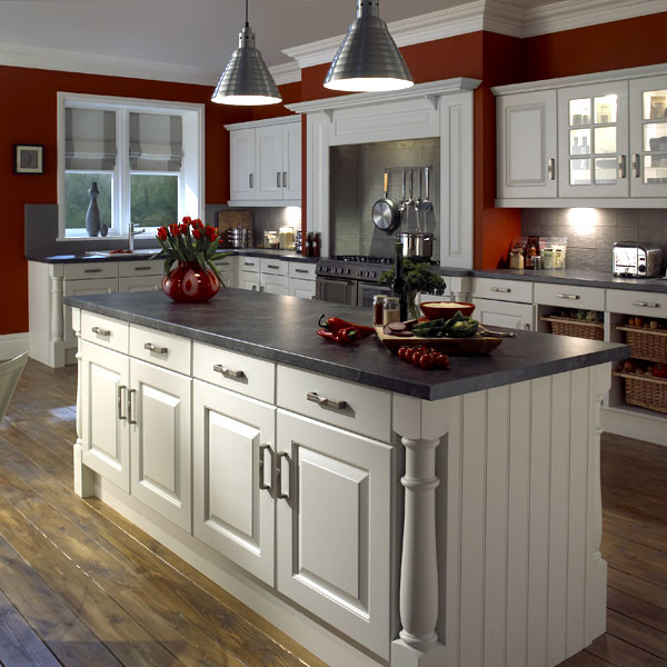 Interesting Traditional Kitchen Design With White Cabinets Ideas